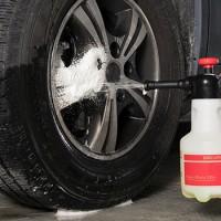 Arbeiten mit aggressiven Chemikalien im Autogewerbe